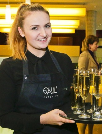Portrait Service employee, Gauls Catering
