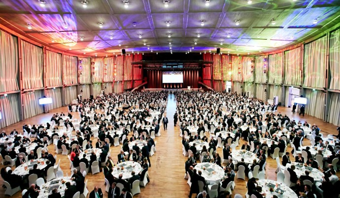 Gala event at the Schwarzwaldhalle with banquet seating